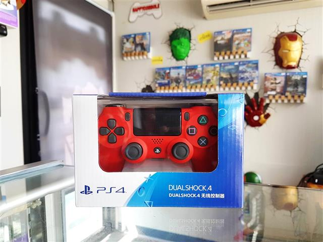 PS4 : Dual Shock 4 New (Magma Red)