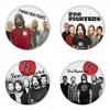 ของที่ระลึกวง Foo Fighters เลือกด้านหลังได้ 4 แบบ เข็มกลัด, แม่เหล็ก, กระจกพกพา หรือ พวงกุญแจที่เปิดขวด 1 แพ็ค 4 ชิ้น [7]