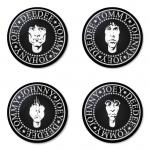 ของที่ระลึกวง Ramones เลือกด้านหลังได้ 4 แบบ เข็มกลัด, แม่เหล็ก, กระจกพกพา หรือ พวงกุญแจที่เปิดขวด 1 แพ็ค 4 ชิ้น [5]