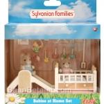 ซิลวาเนียน เบบี้แฝดหมากับเตียงนอนและของเล่น (UK) Sylvanian Families Babies at Home Set