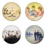 ของที่ระลึกวง The Beatles เลือกด้านหลังได้ 4 แบบ เข็มกลัด, แม่เหล็ก, กระจกพกพา หรือ พวงกุญแจที่เปิดขวด 1 แพ็ค 4 ชิ้น [5]