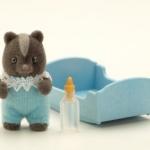 ซิลวาเนียน ดช เบบี้สกั๊งค์+เปล (UK) Sylvanian Families Skunk Baby Boy