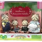 [หมดค่ะ] ครอบครัวซิลวาเนียน..มัลเบอรี่แรคคูน 4 ตัว (Calico Critters: Mulberry Raccoon Family) V5%