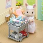 ซิลวาเนียน คุณพยาบาลพร้อมอุปกรณ์ Sylvanian Families Country Nurse Set