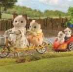 ซิลวาเนียนแมวสีครีมกับจักรยานมีรถพ่วง (UK) Sylvanian Families Tandem Bike & Baby Trailer