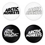 ของที่ระลึกวง Arctic Monkeys เลือกด้านหลังได้ 4 แบบ เข็มกลัด, แม่เหล็ก, กระจกพกพา หรือ พวงกุญแจที่เปิดขวด 1 แพ็ค 4 ชิ้น [6]