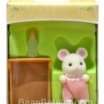 ซิลวาเนียน เบบี้หนูขาว+เปล (EU) Sylvanian Families White Mouse Baby with Crib