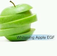ผิวขาวกระจ่างใสด้วย โกรทแฟคเตอร์ จาก แอปเปิ้ล Apple Growth Factor -1% ของแอปเปิ้ลสเต็มเซลล์สามารถฟื้นฟูเซลล์ได้เพิ่มขึ้นถึง 80% -มุ่งไปที่เมลานินเพื่อช่วยลดเลือนจุดด่างดำ -ช่วยปรับสีผิวให้สม่ำเสมอ -ช่วยยับยั้งกระบวนการสร้างเม็ดสีอันเป็นสาเหตุของผิวหมองคล้ำ -ใบหน้ากระจ่างใสอย่างเป็นธรรมชาติ